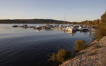 Båtbrygga i Ulricehamn. Foto: Jan Töve