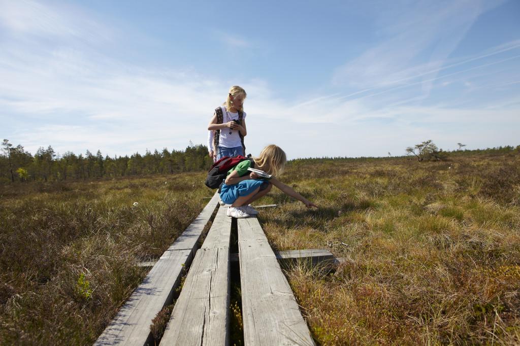 Barn vid vandringsled Komosse. Foto: Jan Töve