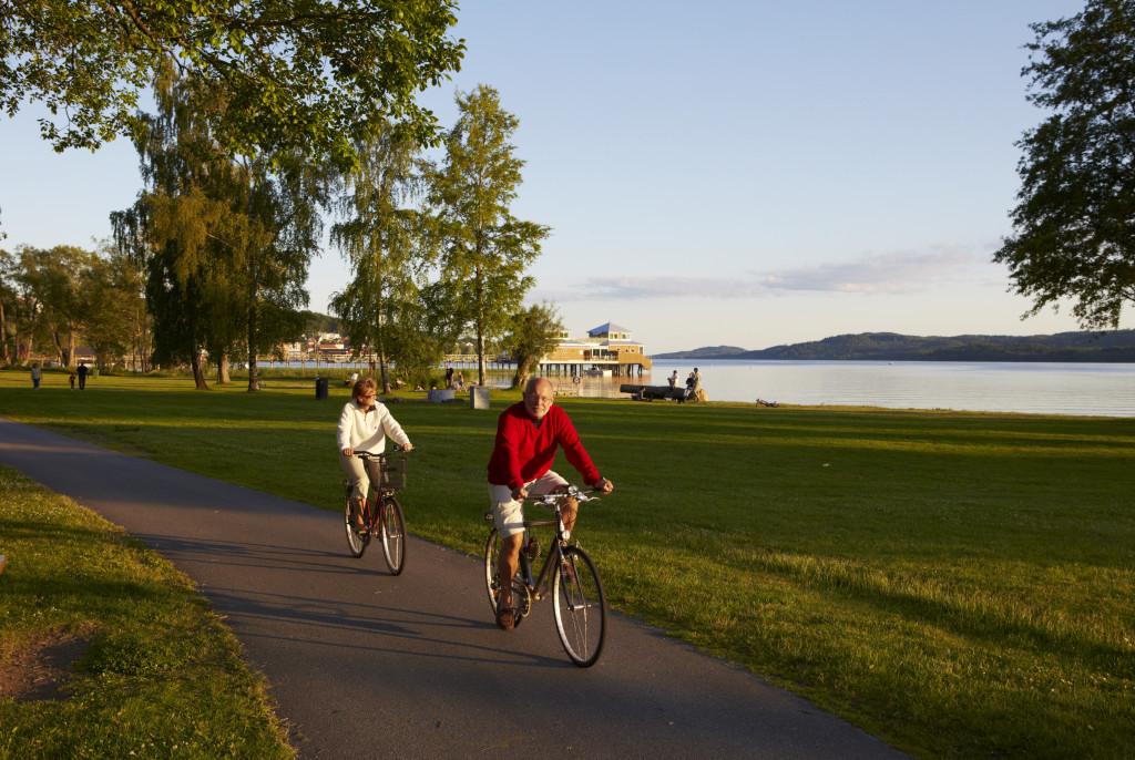 Cyklister banvallen. Foto: Jan Töve