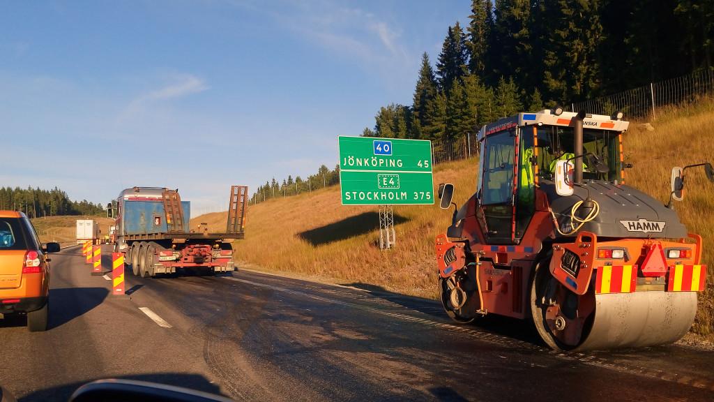 vägarbete efter olyckan med flygbränsle på väg 40