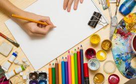 kritor, vattenfärger och papper