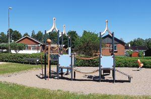 Vy över Källängsvägens lekplats.