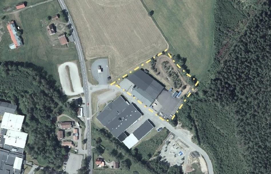 Flygfoto med markerad fastighetsgräns runt fastighet i Gällstad